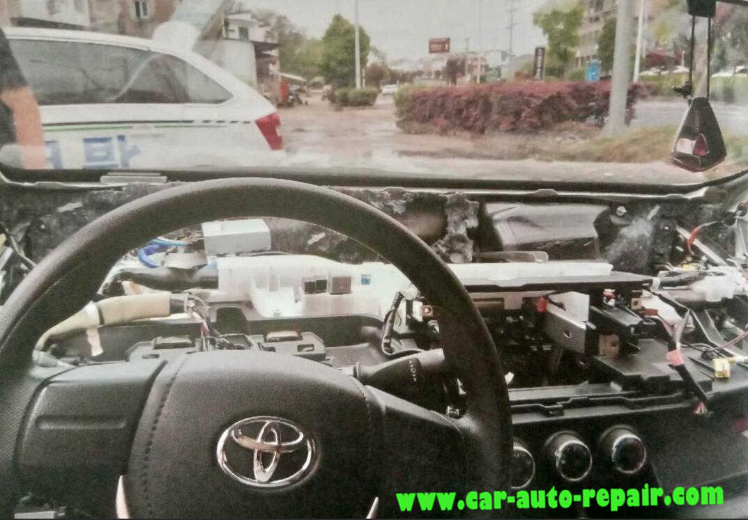 Toyota Corolla 2016 8A Transponder All Key Lost Programming (2)
