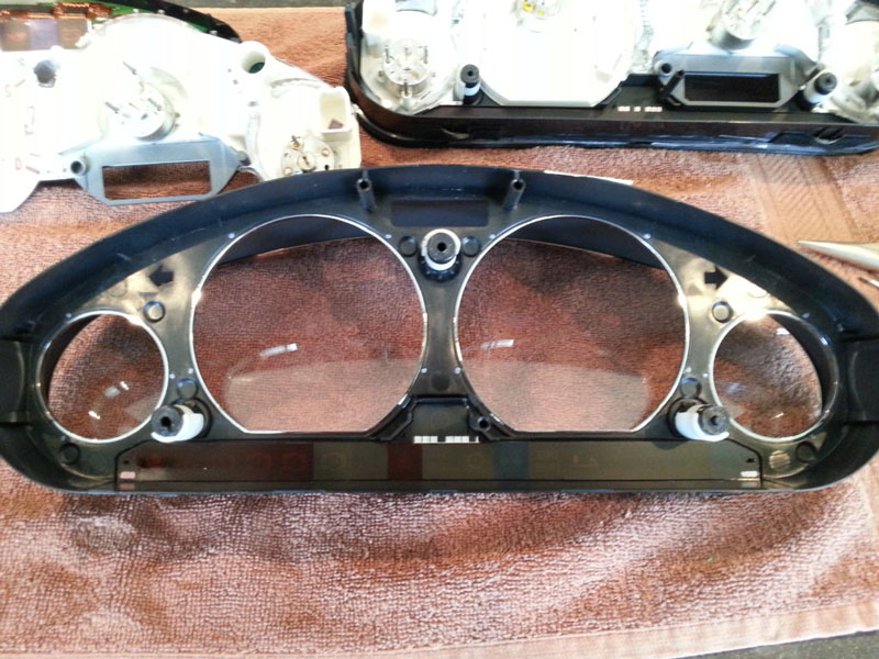 Remove and Disassemble Instrument Cluster for BMW Z3 (11)