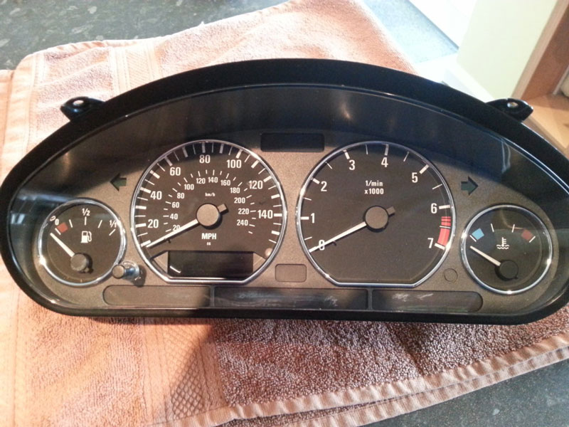 Remove and Disassemble Instrument Cluster for BMW Z3 (14)