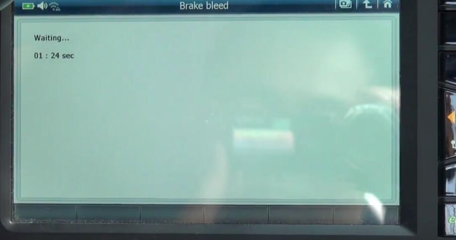 How to Bleed Brake System for Jaguar XF 3L by G-Scan 2 (13)