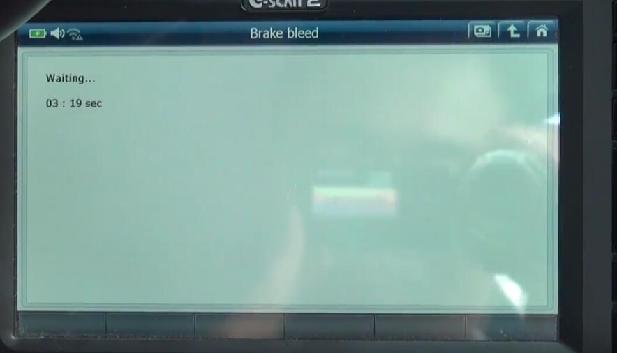 How to Bleed Brake System for Jaguar XF 3L by G-Scan 2 (16)