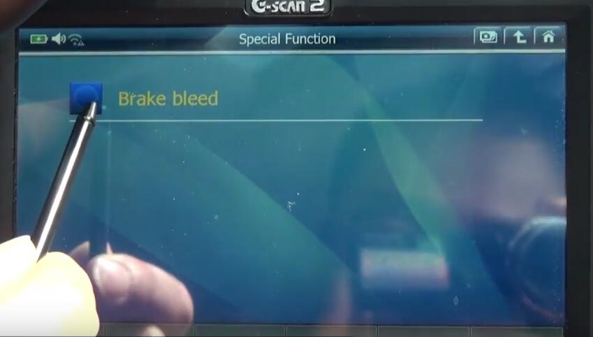 How to Bleed Brake System for Jaguar XF 3L by G-Scan 2 (7)