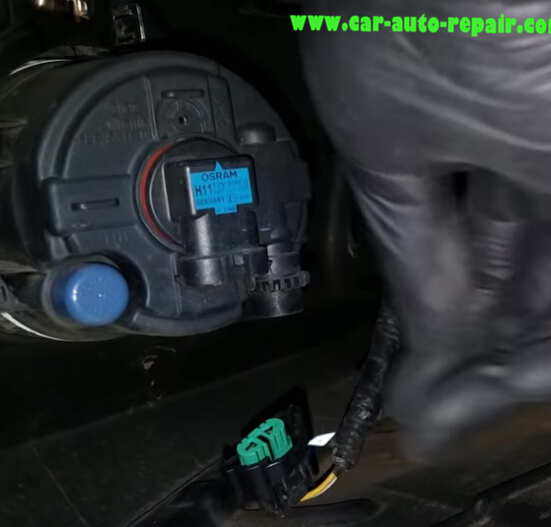 InstallReplace New Fog LED Light for Toyota Camry by Yourself (7)