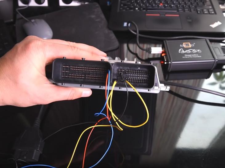 AVDI Read BMW MSD80 MSD81 DME ISN on Bench (2)