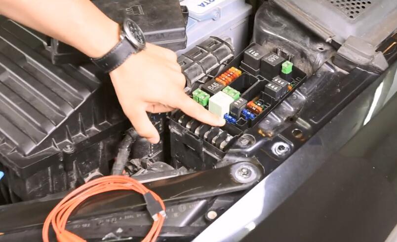 AVDI Diagnostic to AdaptProgram DSG TCU for VW Golf7 (5)
