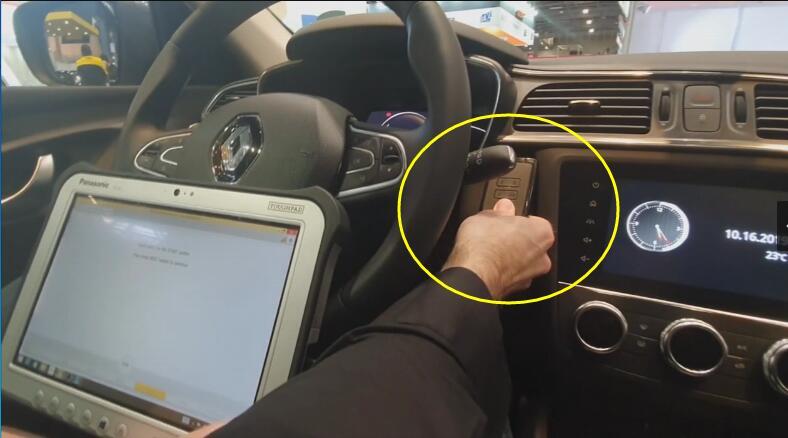 Renault Kadjar 2019 Keyless All Key Lost Programming by AVDI (13)