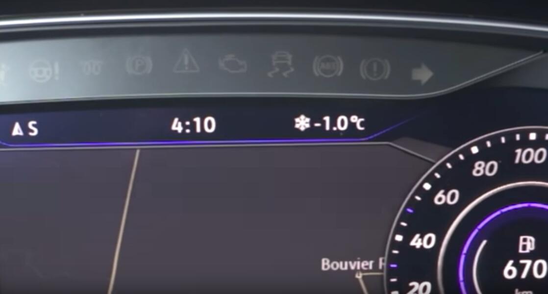 OBDeleven-Ambient-Light-Coding-for-VW-Golf-R-12
