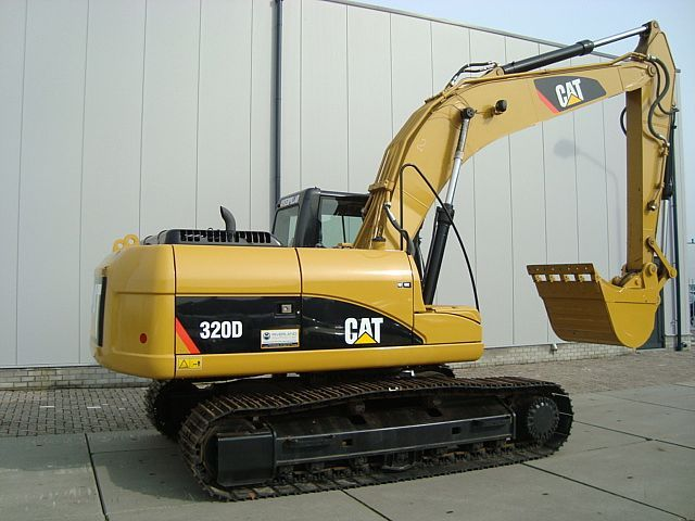 Caterpillar-320D-Hydraulic-Excavator-Move-Slowly-Trouble