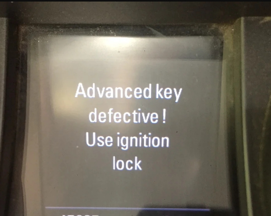 Audi-Q5-Advance-Key-Defective-Use-Ignition-Lock-03284-Trouble-1