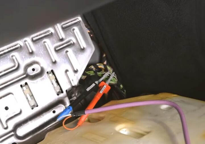 Benz-W221-All-Key-Lost-Programming-by-AVDI-Programmer-2