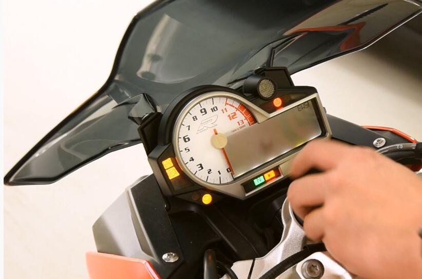 BMW-S1000R-Motorbike-All-Key-Lost-Programming-by-AVDI-1