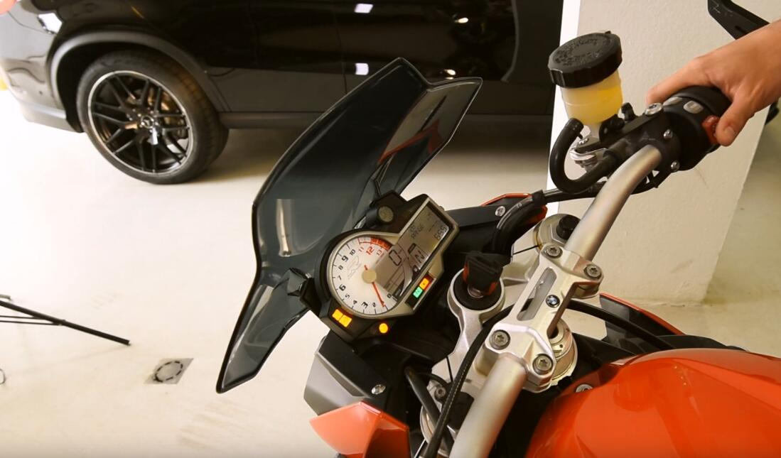 BMW-S1000R-Motorbike-All-Key-Lost-Programming-by-AVDI-17