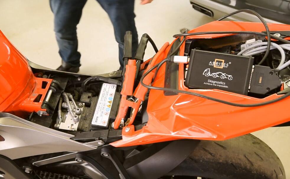 BMW-S1000R-Motorbike-All-Key-Lost-Programming-by-AVDI-2