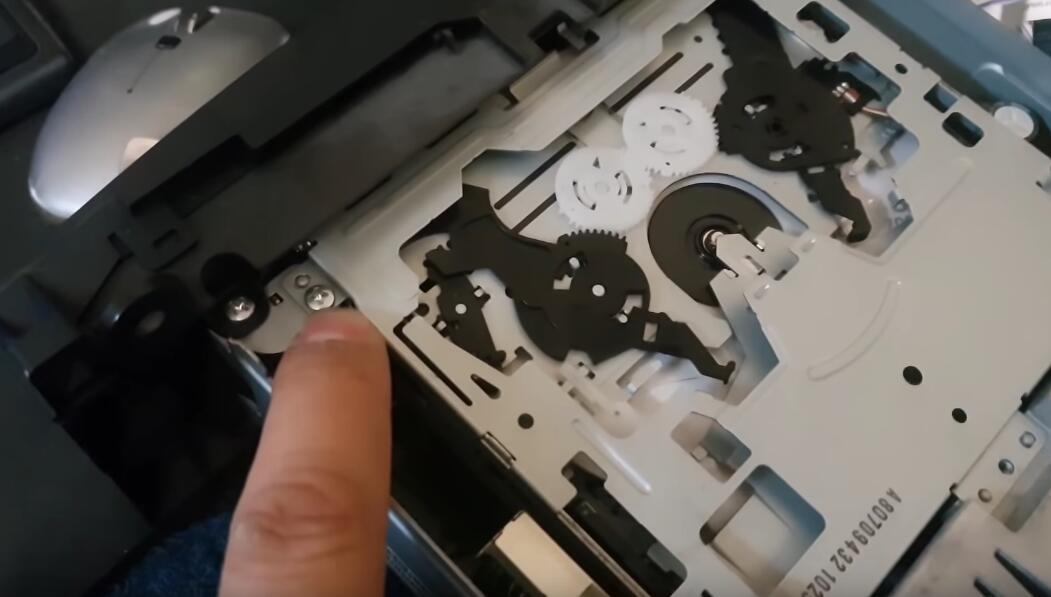 "How-to-Repair-Benz-SOUND-5-HA1111-Radio-""PROD""-Error-3"