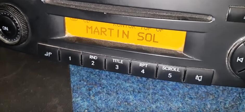 "How-to-Repair-Benz-SOUND-5-HA1111-Radio-""PROD""-Error-8"