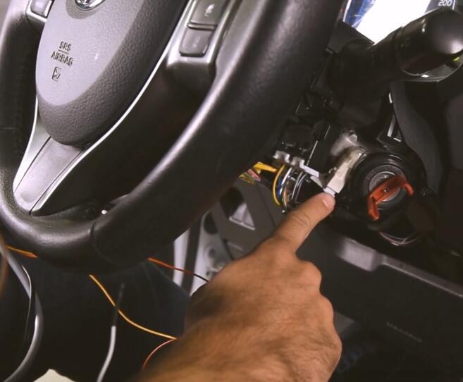AVDI-Diagnostics-All-Keys-Lost-Programming-by-OBD-for-Toyota-Yaris-Hybrid-8