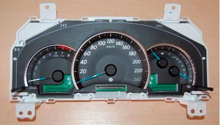 How-to-Disassemble-Instrument-Cluster-93C66-for-Toyota-Camry-10