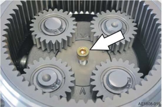 How-to-Change-the-Shaft-Seal-on-the-Drive-Wheel-Unit-for-Still-RX20-Truck-13