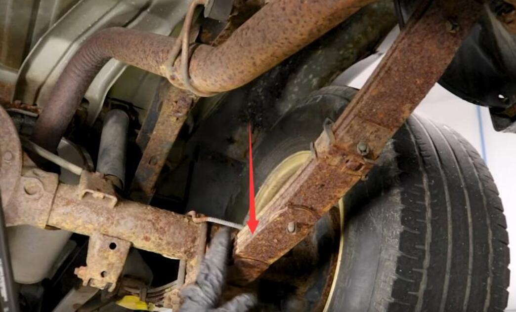 How-to-Inspect-Leaf-Spring-Suspensions-for-Dodge-Pickup-Truck-3rev