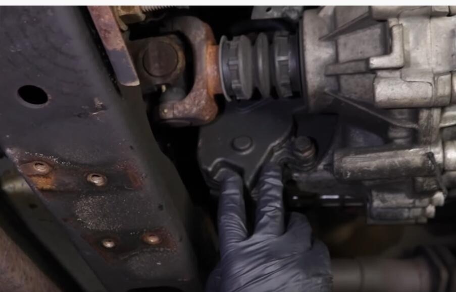 5-Common-Problems-with-GMC-Sierra-1500-1st-Generation-1999-2006-3