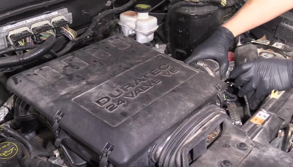 How-to-Diagnose-Catalytic-Converters-When-Check-Engine-Light-Flashing-for-Ford-Escape-2012-2