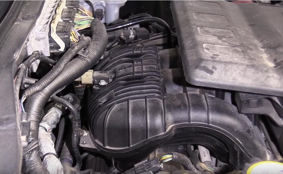 How-to-Diagnose-Catalytic-Converters-When-Check-Engine-Light-Flashing-for-Ford-Escape-2012-3