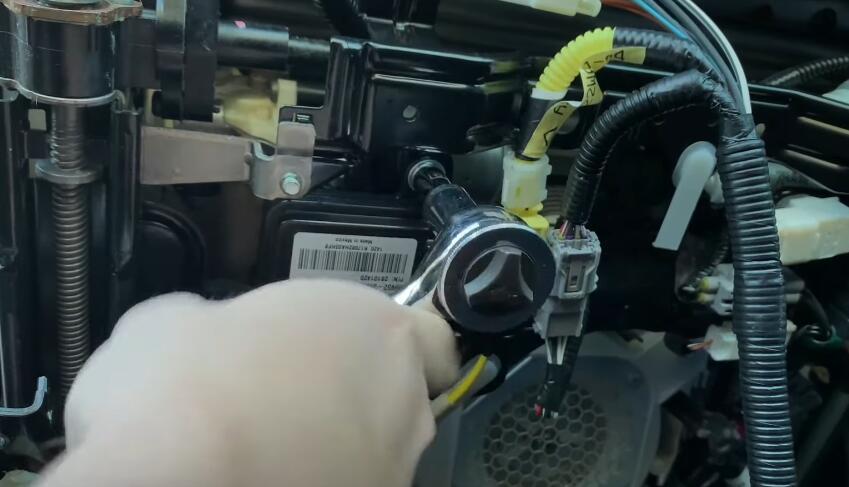 How-to-Repair-Toyota-Airbag-Off-Warning-Light-Error-5