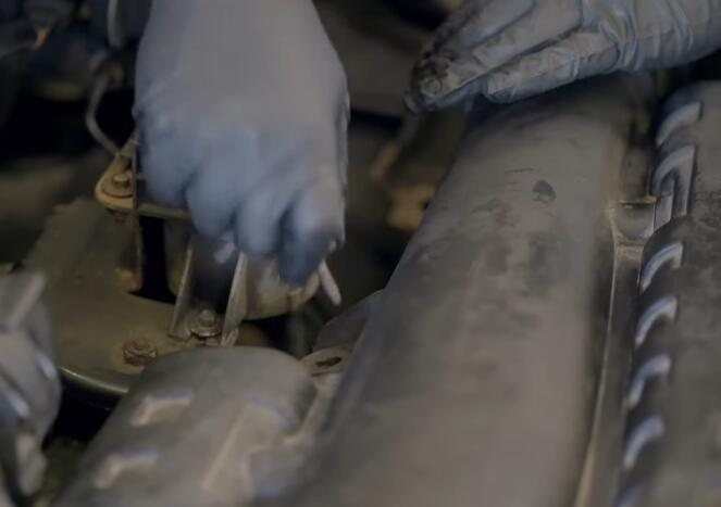 How-to-Replace-Camshaft-Position-Sensor-on-Ford-F-150-2004-13