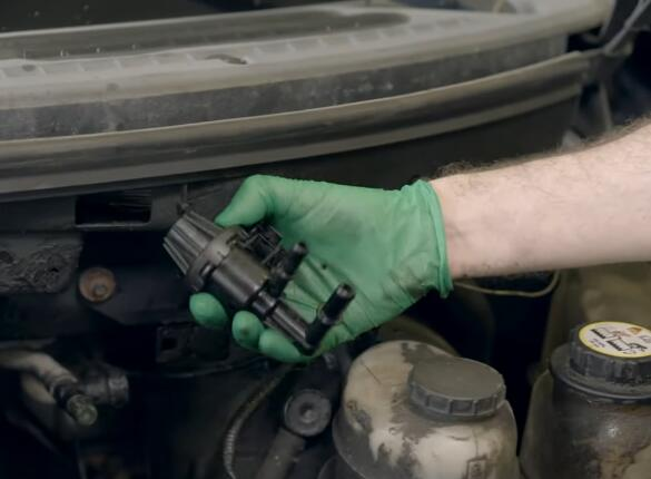How-to-Replace-EVAP-Purge-Valve-for-Ford-F-150-2004-7