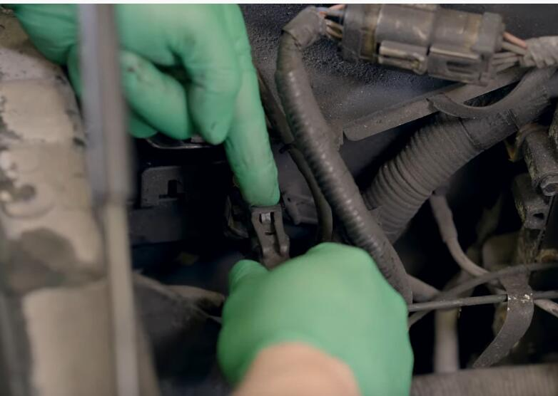 How-to-Replace-the-4x4-Disengage-Solenoid-in-5.4L-Ford-F-150-5