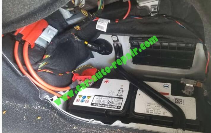 How-to-Use-Autel-IM608-to-Add-New-Key-for-BMW-320i-2013-3