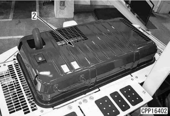Komatsu-PC130-8-Excavator-Fuel-Injector-Assembly-Removal-Installation-2