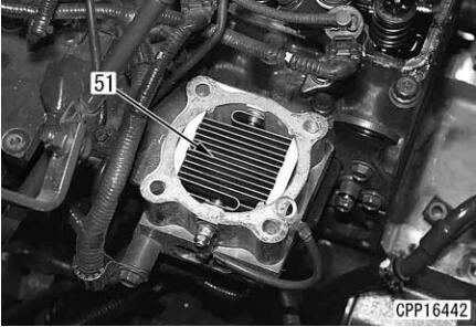 Komatsu-Excavator-PC130-8-Cylinder-Head-Removal-Installation-Guide-19