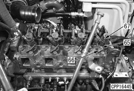 Komatsu-Excavator-PC130-8-Cylinder-Head-Removal-Installation-Guide-23