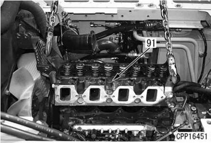 Komatsu-Excavator-PC130-8-Cylinder-Head-Removal-Installation-Guide-29