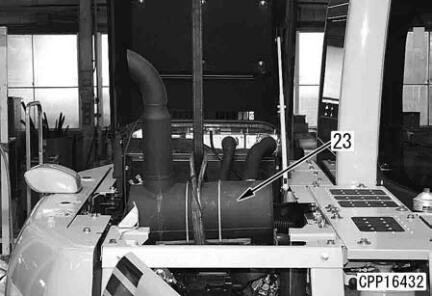 Komatsu-Excavator-PC130-8-Cylinder-Head-Removal-Installation-Guide-9