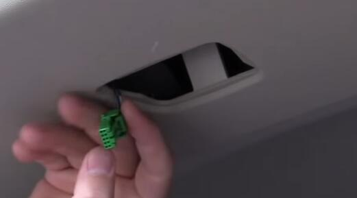 How-to-Install-Tailgate-ModuleV-3.0-to-Volvo-V70-3