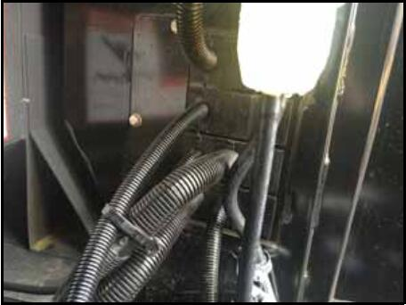 How-to-Install-Valve-Harness-for-CLAAS-Lexion-700-Series-Combine-2