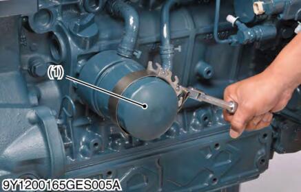 Kubota-V3800-Diesel-Engine-Every-500-Hours-Maintenance-4
