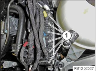 BMW-X7-Injectors-Ignition-Coils-Wiring-Harness-Replacement-22