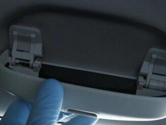 How-to-Install-a-Sunglass-Holder-on-Mercedes-Benz-E-Class-W212-7