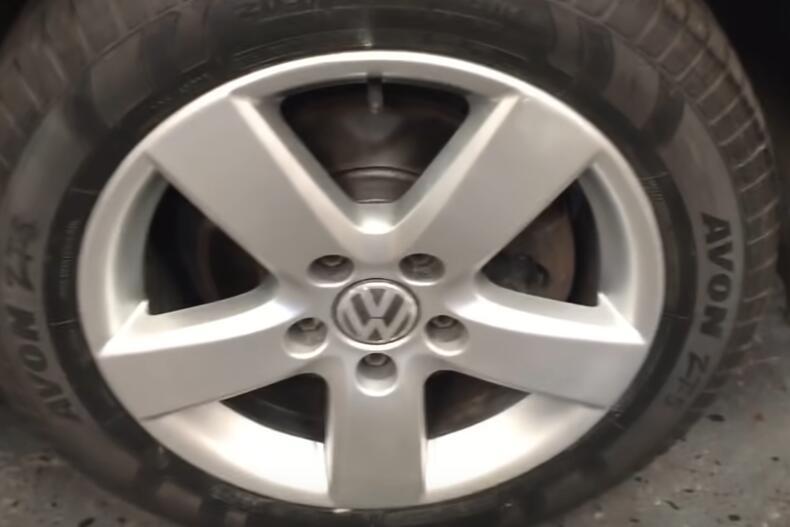 How-to-Repair-Curb-Rash-on-wheel-rim-on-VW-13