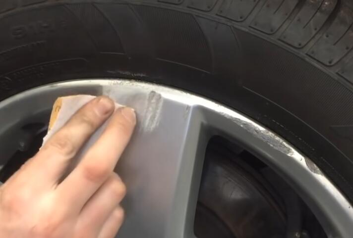 How-to-Repair-Curb-Rash-on-wheel-rim-on-VW-2