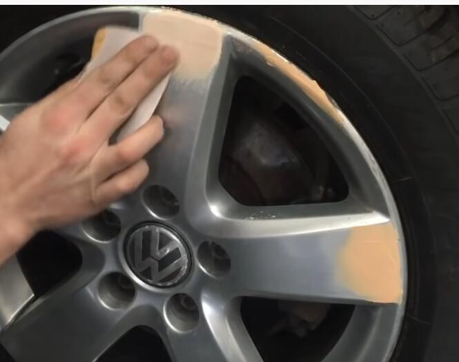 How-to-Repair-Curb-Rash-on-wheel-rim-on-VW-5
